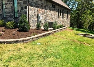 pavers lining mulch 3.IMG_2021